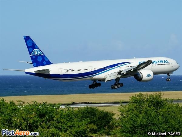 Boeing 777-3Q8/ER (Air Austral)