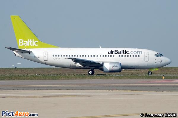 Boeing 737-505 (Air Baltic)