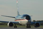 Boeing 737-3B7 (N375US)