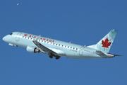 Embraer 170-200SU (C-FEKH)