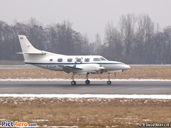 Swearingen SA-226T(B) Merlin IIIB (Air Mana)