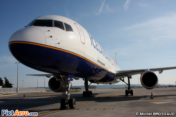 Boeing 757-204/PCF (Icelandair Cargo)