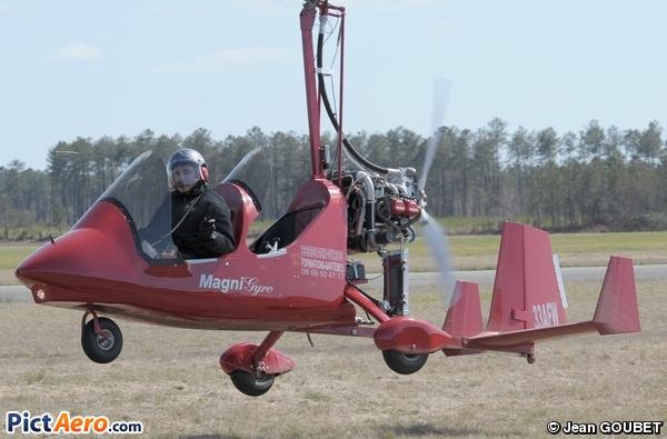 Magni Gyro M-16 Tandem Trainer (Bordeaux Gyro)