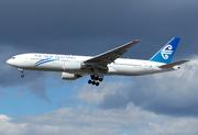 Boeing 777-219/ER (ZK-OKA)