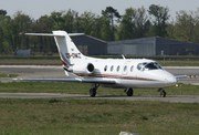 Beech Hawker 400XP (CS-DMZ)