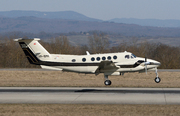 Beech Super King Air 300 (VP-BMK)