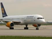 Boeing 757-28A (TF-FIK)
