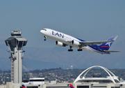 Boeing 767-316/ER (CC-CWH)