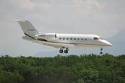 Canadair CL-600-2B16 Challenger 604 (G-LGKO)