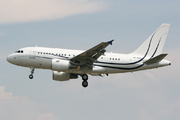 Airbus A318-122 Elite (A6-AAM)