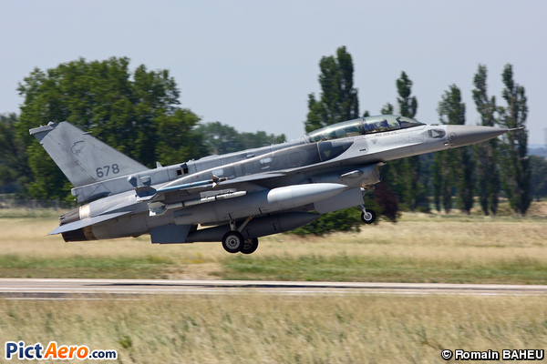 Lockheed Martin F-16D Fighting Falcon (Singapore - Air Force)