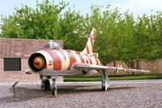 Sukhoi Su-7B (547)