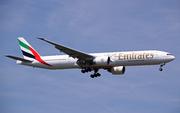Boeing 777-314 ER (A6-ECT)