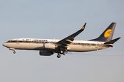 Boeing 737-85R (VT-JGR)