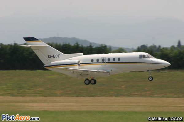 RAYTHEON HAWKER 800 XP (Private Sky)