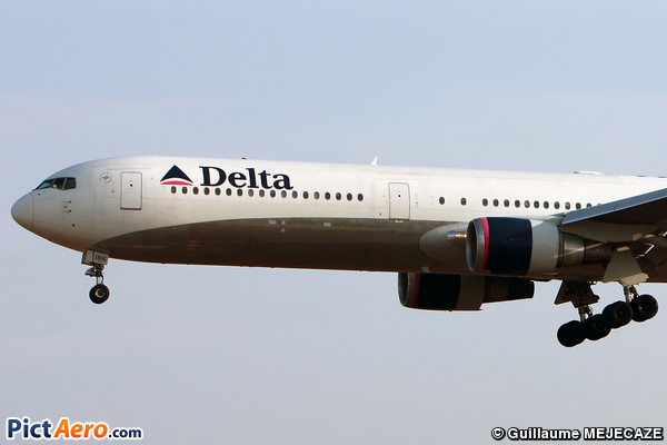 Boeing 767-432/ER (Delta Air Lines)