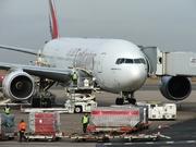 Boeing 777-21H/ER (A6-EMK)