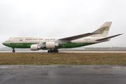 Boeing 747-4H6 (HZ-AWA2)