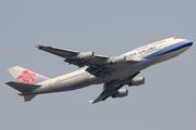 Boeing 747-409 (B-18207)