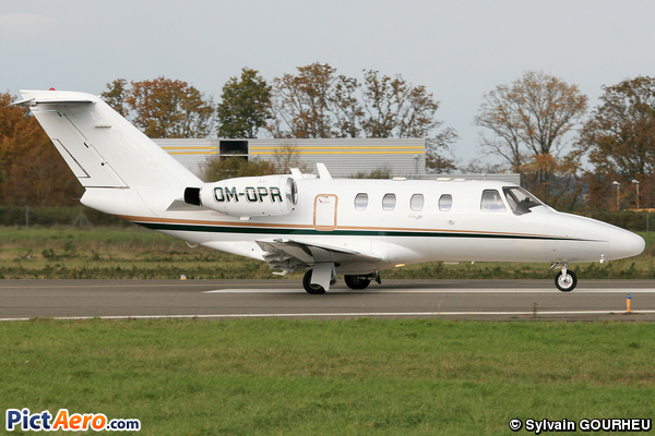 Cessna 525 CitationJet CJ1 (Opera Jet)