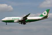Boeing 747-45EM  (B-16462)