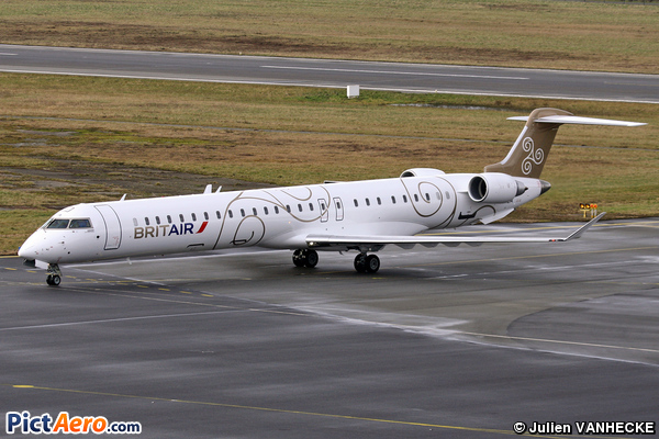 Canadair CL-600-2E25 Regional Jet CRJ-1000 (Brit Air)