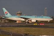 Boeing 777-2B5/ER (HL7750)