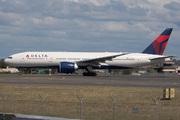 Boeing 777-232/LR (N707DN)