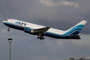 Boeing 767-223(SF) (N761CX)