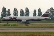 Boeing 757-236/SF