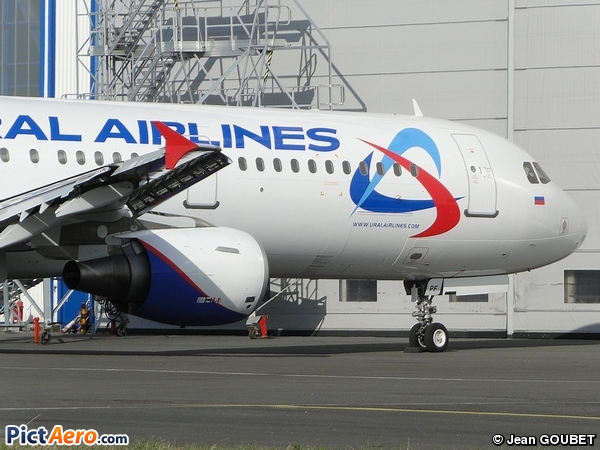 Airbus A321-211 (Ural Airlines)