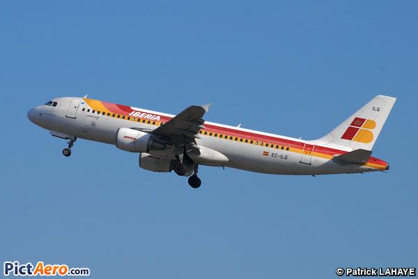 Airbus A320-214 (Iberia)