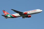 Boeing 767-36NER  (5Y-KQX)