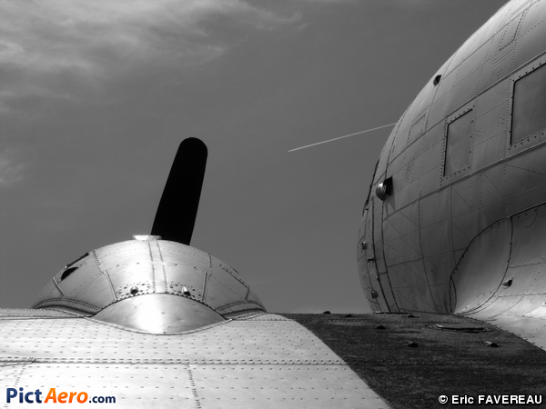 Douglas C-47B Dakota Mk4 (Seine Aviation)