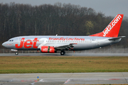 Boeing 737-377/QC (G-CELY)