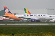Airbus A320-211 (EK-32008)