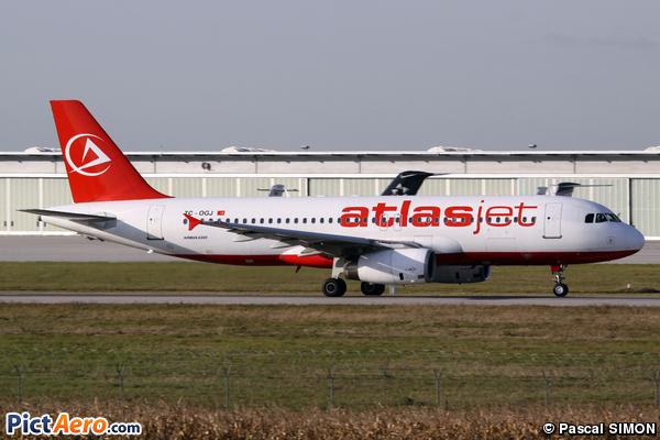 Airbus A320-232 (AtlasJet International Airways)