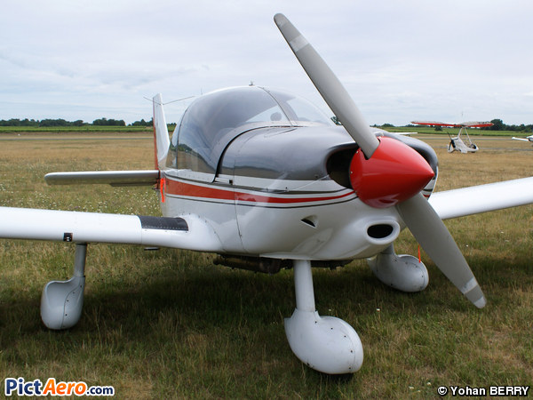 HR 200-120 B (Aéroclub Montalbanais )