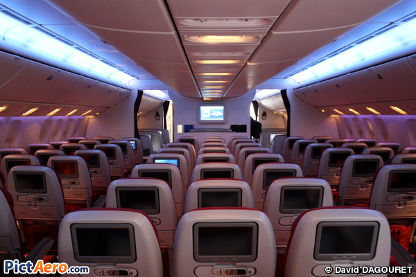 Boeing 777 2dz lr a7 bbh qatar airways par david for Interieur boeing 777