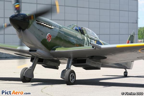 Supermarine Spitfire Mk.XVI (Vintage Wings Of Canada/Les Ailes d' Époque Du Canada)
