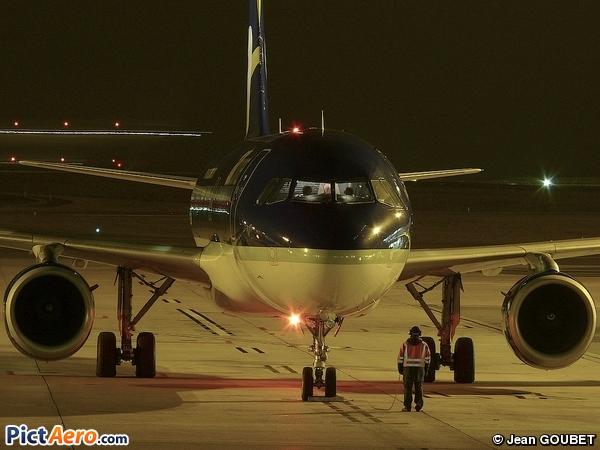 Airbus A320-211 (Air Comet)