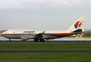 Boeing 747-4H6 (9M-MPO)