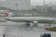 Boeing 777-2J6 (B-2065)