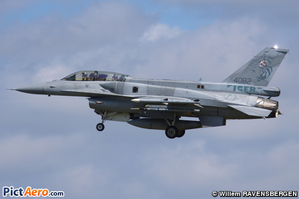 Lockheed Martin F-16D Fighting Falcon (Poland - Air Force)