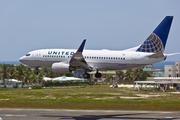 Boeing 737-724/WL (N27722)