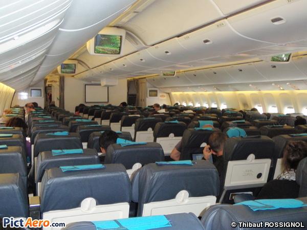 Boeing 777 2q8 er f orun air austral par thibaut for Interieur boeing 777