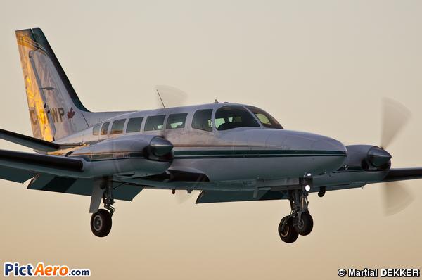 Cessna 404 Titan (Privé / Private)