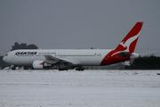 Boeing 767-338/ER (VH-OGT)