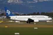 Boeing 737-33R (ZK-SJB)