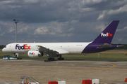 Boeing 757-23A(SF) (N917FD)